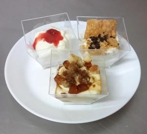 Dolci al cucchiaio: cheese cake, millefoglie destrutturato, crema di mandorle con pandispagna al moscato