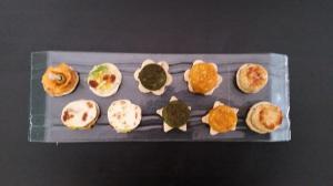 Piadine e mini sformatini vegani su biscotto