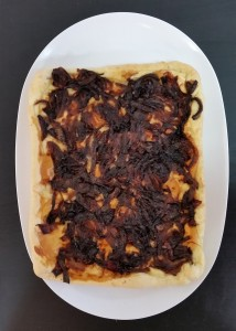 Torta salata cipolla e caciocavallo