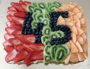 Torta di compleanno alla frutta con gelatina